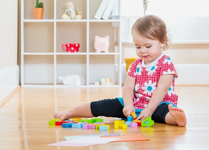 A Child Psychologist's Favorite Games to Increase Kids Self-Control! I love these! NurtureandThriveBlog.com