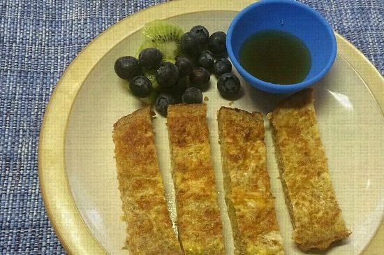 Super healthy and easy french toast sticks for kids! Make a batch and freeze for later.