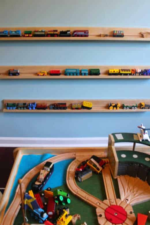 Wall storage for toys