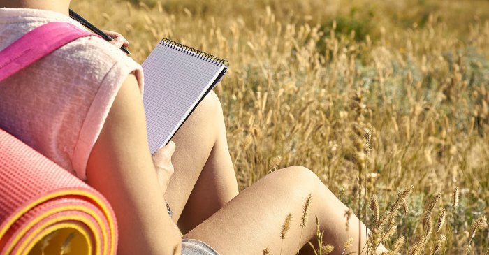 Journal to heal yourself, destress, and jump start your life! You only have to do this for three days, 20 minutes a day. Amazing research behind this wellness tool!