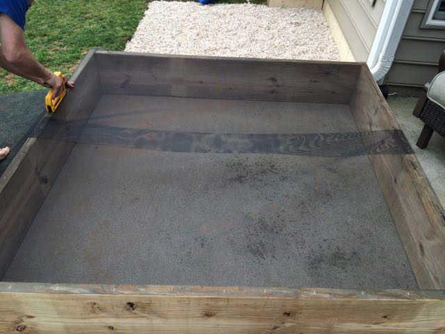 sandbox ideas - use a window screen for bottom of the box