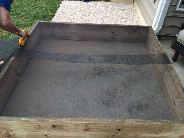 sandbox ideas - use a window screen for bottom of the box
