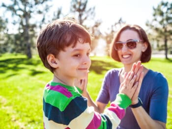 give your kids a high five instead of praise