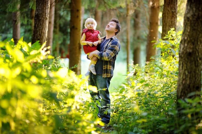 nature walks with kids